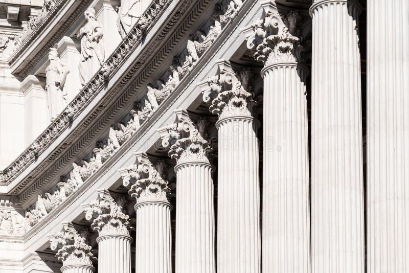 Architecturaal detail van kolommen van Vittorio Emanuele II Monument, aka Vittoriano of Altare-della Patria Mooie oude vensters i royalty-vrije stock foto's