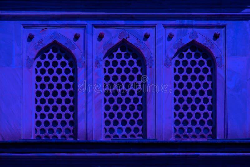 Architecturaal vensterdetail van de oude bouw royalty-vrije stock foto
