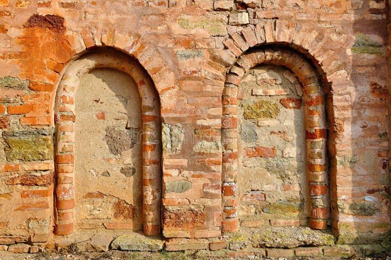 Architecturale elementen van oude muur - dode vensters stock fotografie