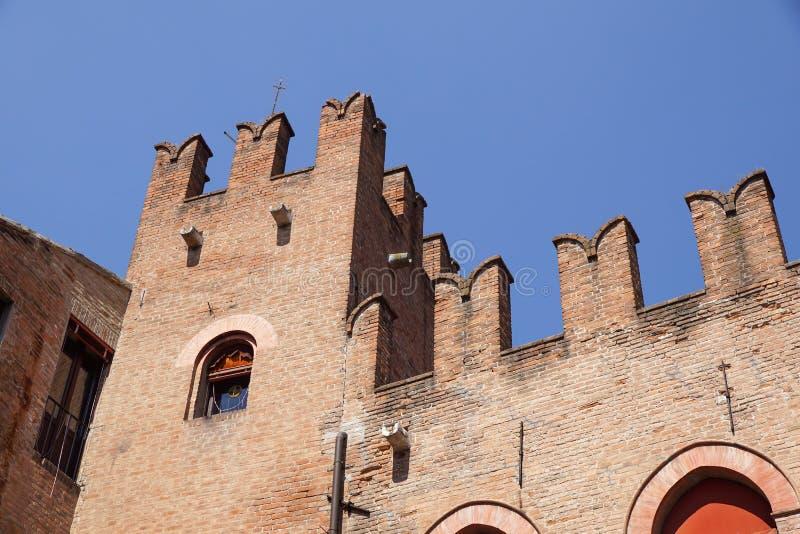 Architecturale en wapenkundedetails op kasteel Estense, Stad van Ferrara, provincie Emilia-Romagna, Italië stock afbeelding