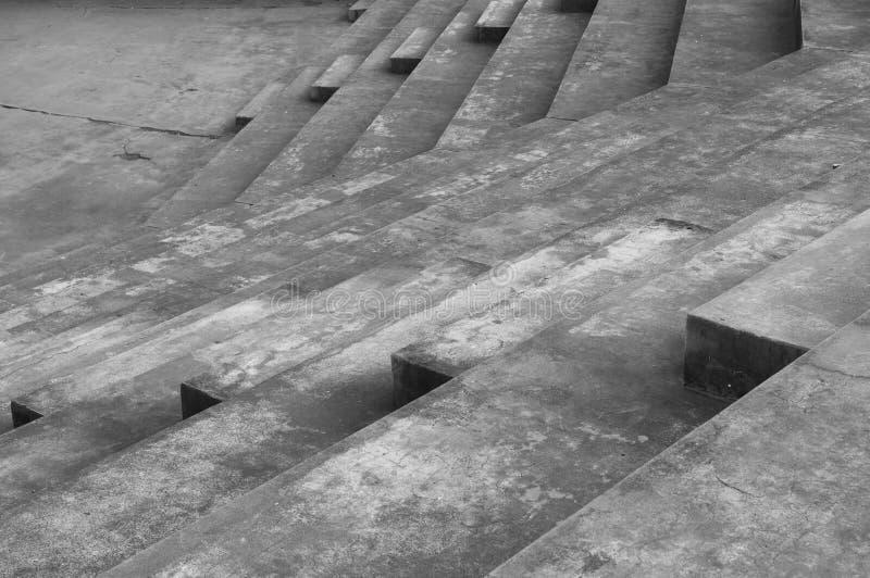 Architecturale lijnen van een trap in een amfitheater royalty-vrije stock afbeeldingen