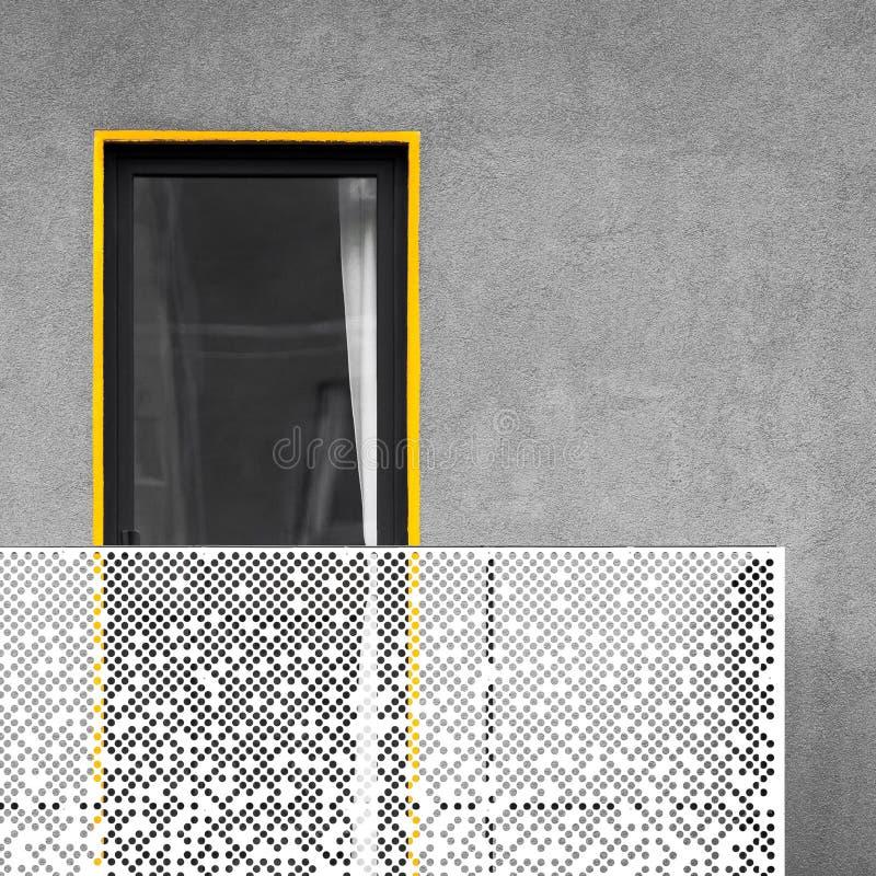 Architecture abstraite avec le balcon et la fenêtre photo libre de droits