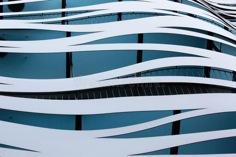 Architecture abstraite, façade du bâtiment à Barcelone, Espagne images libres de droits