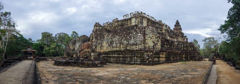Architecture antique de Khmer Vue de panorama de temple de Baphuon images libres de droits