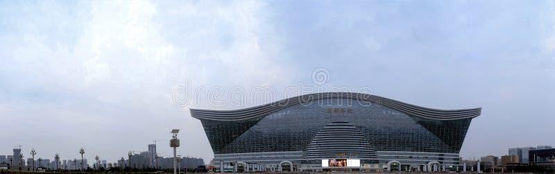 Architecture centrale globale de New Century de Chengdu, Chine 24 mai 2014 : c'est un bâtiment multifonctionnel à Chengdu C'est é images stock