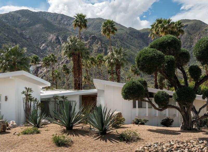 Architecture classique de Palm Springs de la moitié du siècle photo libre de droits