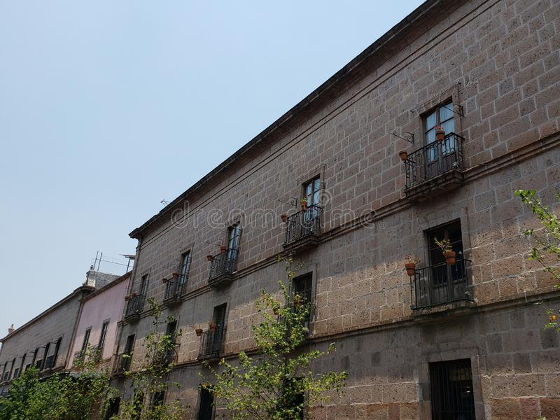 architecture coloniale de style dans la ville de Morelia, Mexique photographie stock libre de droits