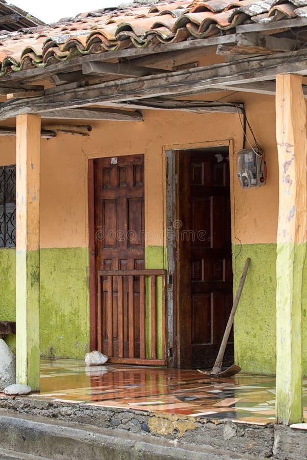 Architecture coloniale de style dans VIlcabamba Equateur photo libre de droits