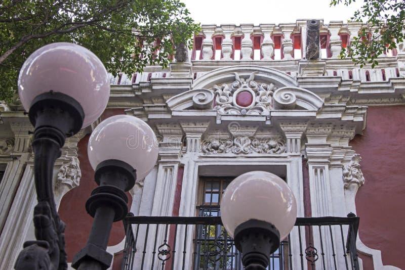 Architecture coloniale mexicaine de fenêtre images libres de droits