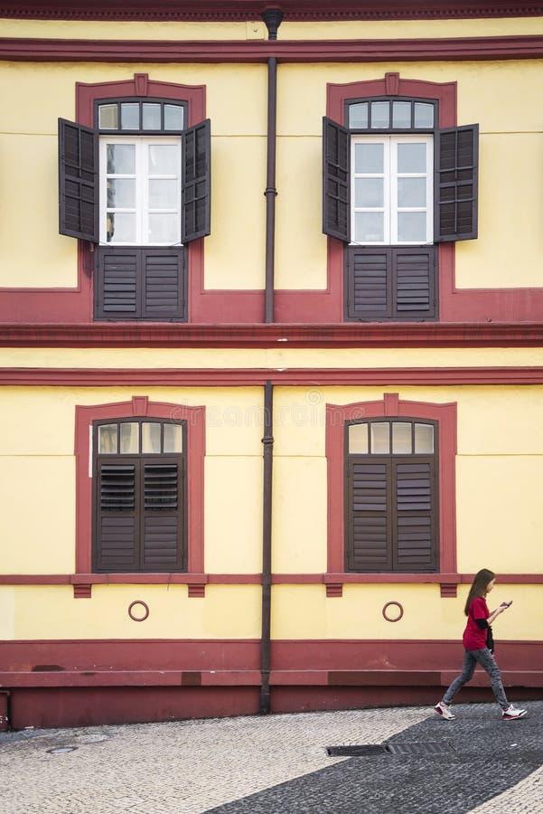 Architecture coloniale portugaise dans la porcelaine de Macao image libre de droits