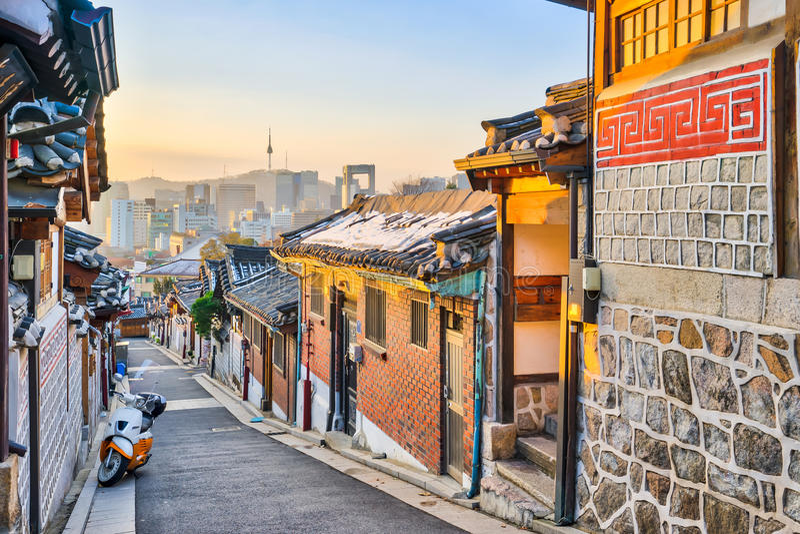 Architecture coréenne traditionnelle de style au village i de Bukchon Hanok photo libre de droits