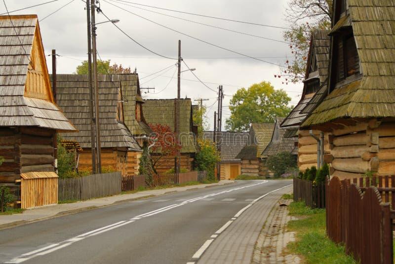 Architecture, cottage des montagnes en bois dans le ³ W du 'Ã de ChochoÅ, couvert de bardeaux, montagnes de Tatra photo libre de droits