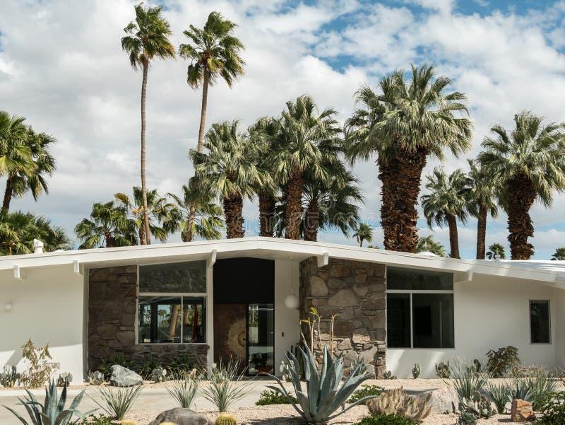 Architecture de la moitié du siècle, Palm Springs images libres de droits