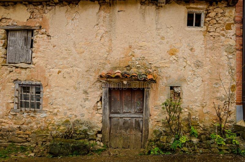 Architecture de la montagne de Palencia photo stock