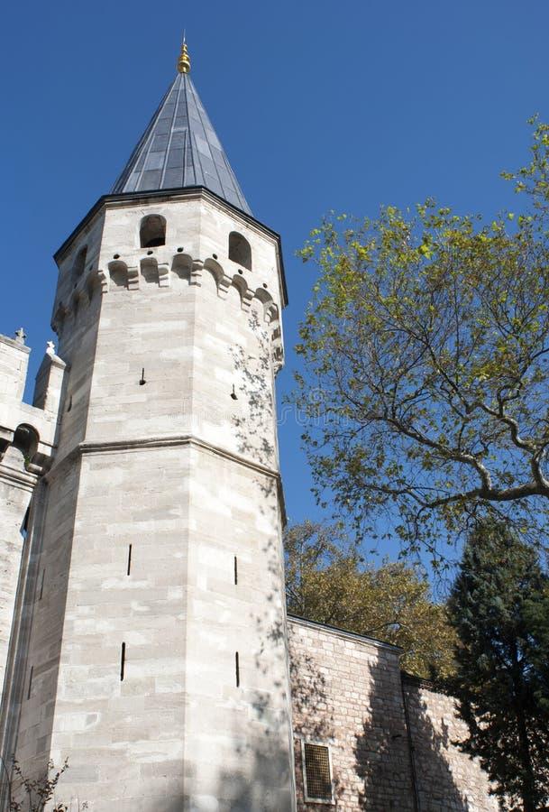 Architecture de la tour du palais historique d'Istanbul images libres de droits
