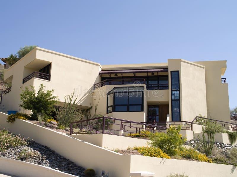Architecture de maison haut de gamme photo stock image for Plan maison haut de gamme