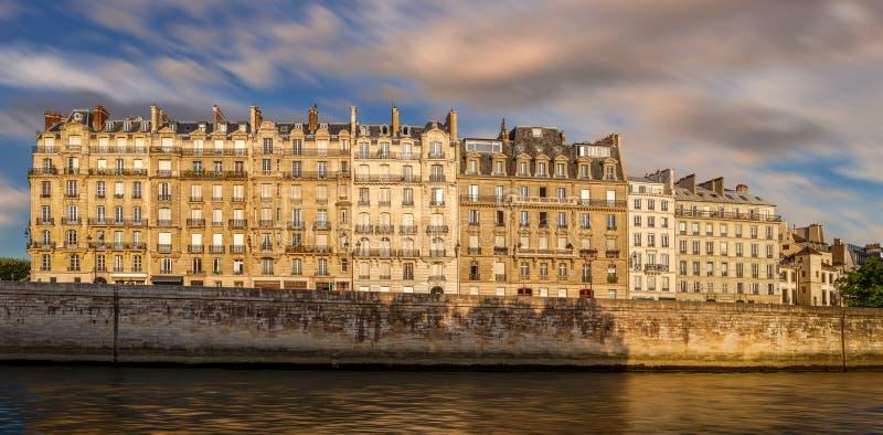Architecture de Paris Ile de la Cite et de Haussmannian image stock