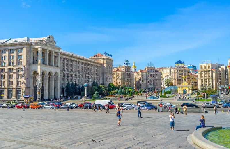 Architecture de place de l'indépendance de Kiev photographie stock