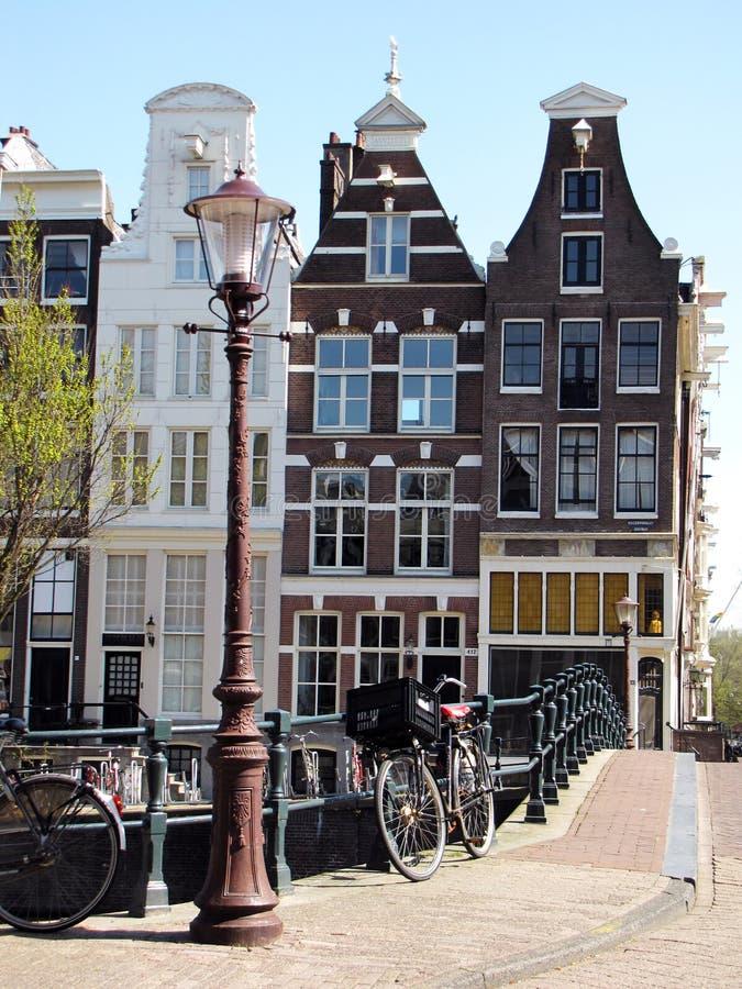 Architecture de rue et de Chambre à Amsterdam images stock