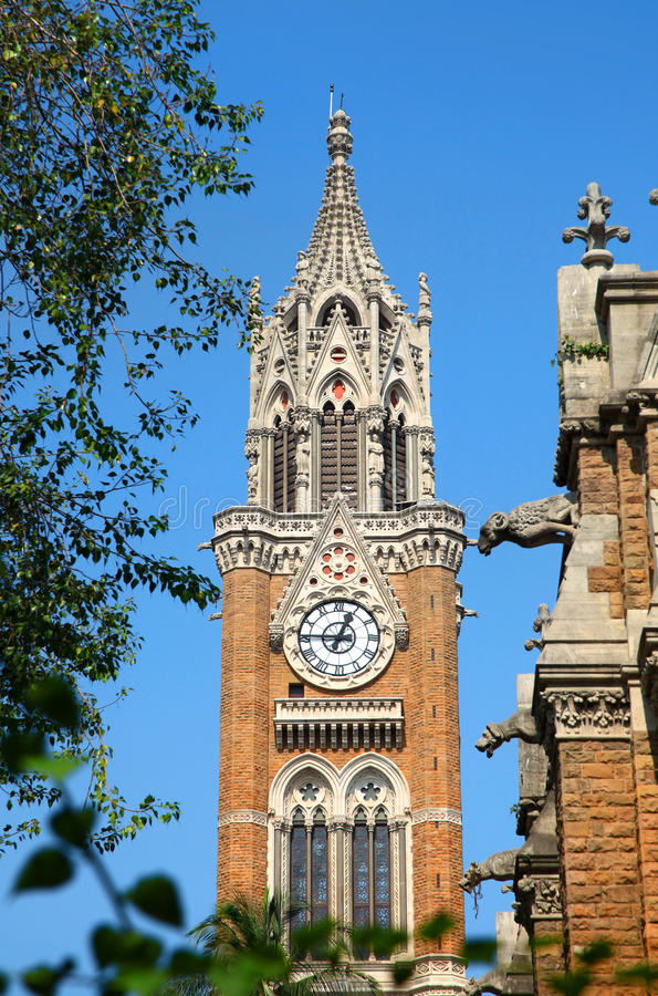 Architecture de tour d'horloge de Rajabai dans la ville de Mumbai photos libres de droits