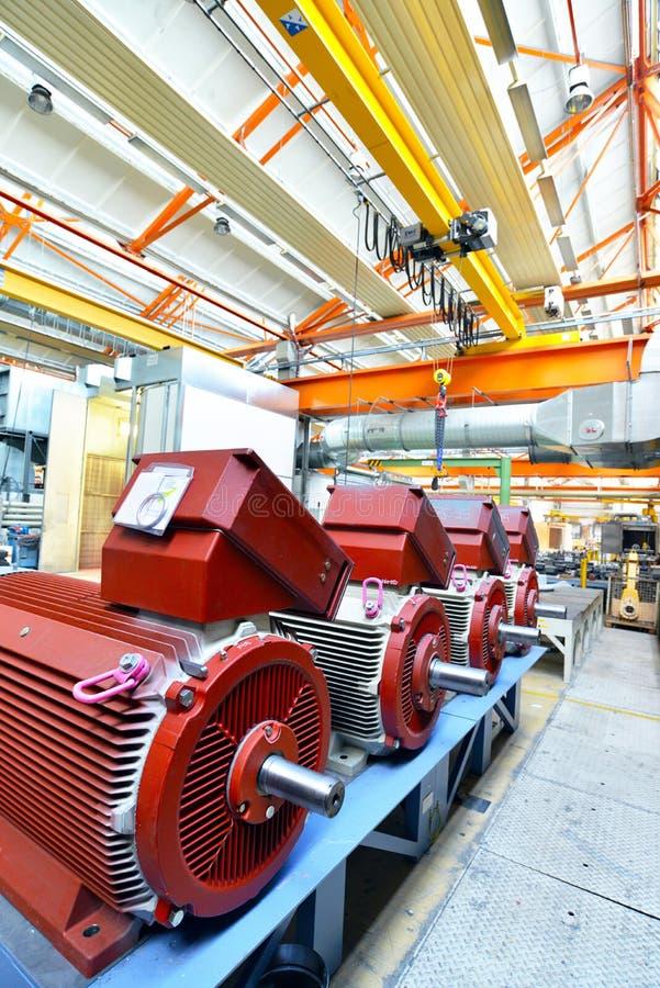 Architecture et équipement d'une usine pour l'engineeri mécanique photos stock