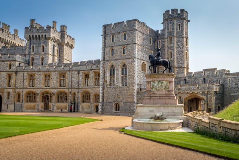 Architecture et conception extérieure du château habité le plus ancien et plus grand dans le monde Sa est également la résidence  photo libre de droits