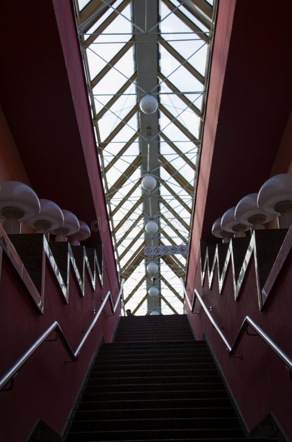Architecture et conception intérieure L'intérieur du pont principal au remblai de Kiev à Moscou photographie stock libre de droits