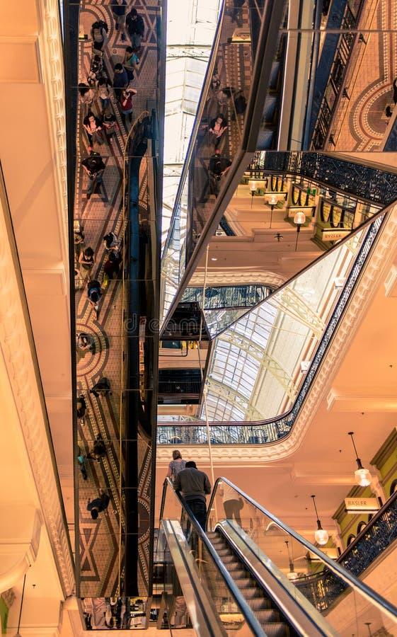 Architecture et réflexions dans le bâtiment de la Reine Victoria images libres de droits