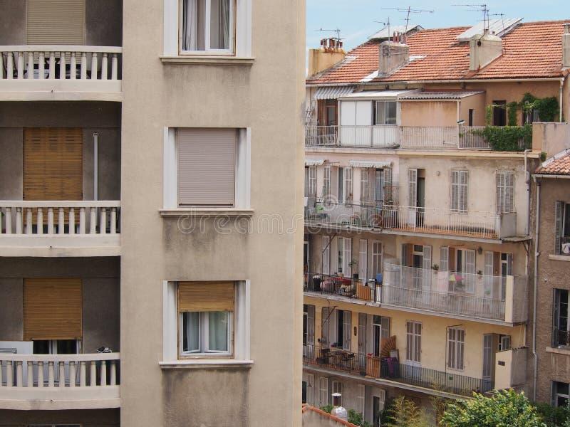Architecture française contrastante image stock