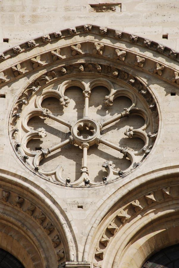 Architecture gothique chez Notre Dame Paris photos stock