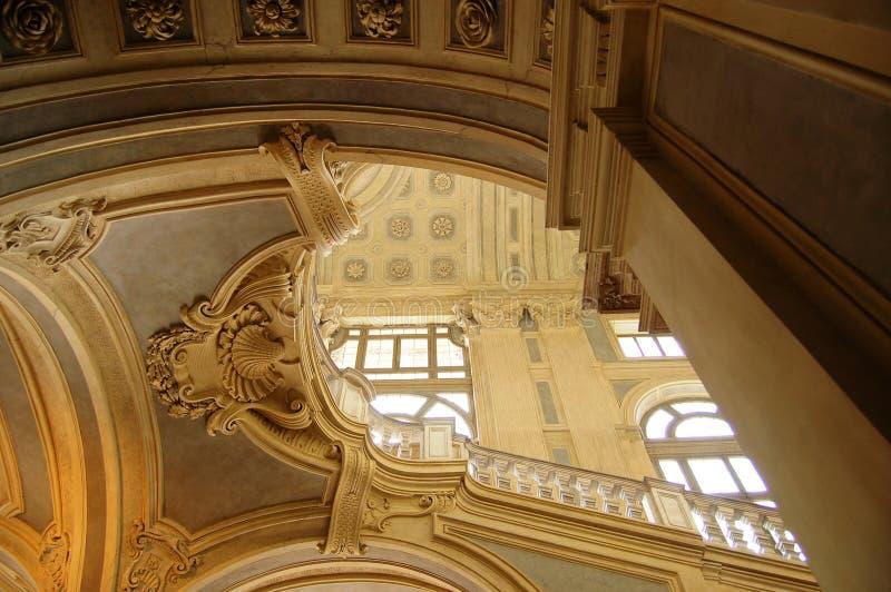 Architecture grande d'escalier photo libre de droits