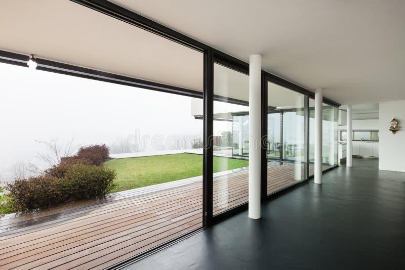 Architecture, intérieur d'une villa moderne images libres de droits