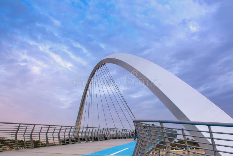 Architecture moderne de Duba? de canal de l'eau images libres de droits