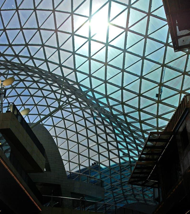 Architecture moderne. Glace et acier. image libre de droits