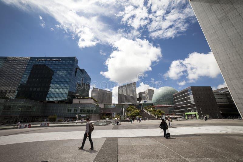 Architecture moderne, la défense de La, Paris, l'Europe images stock