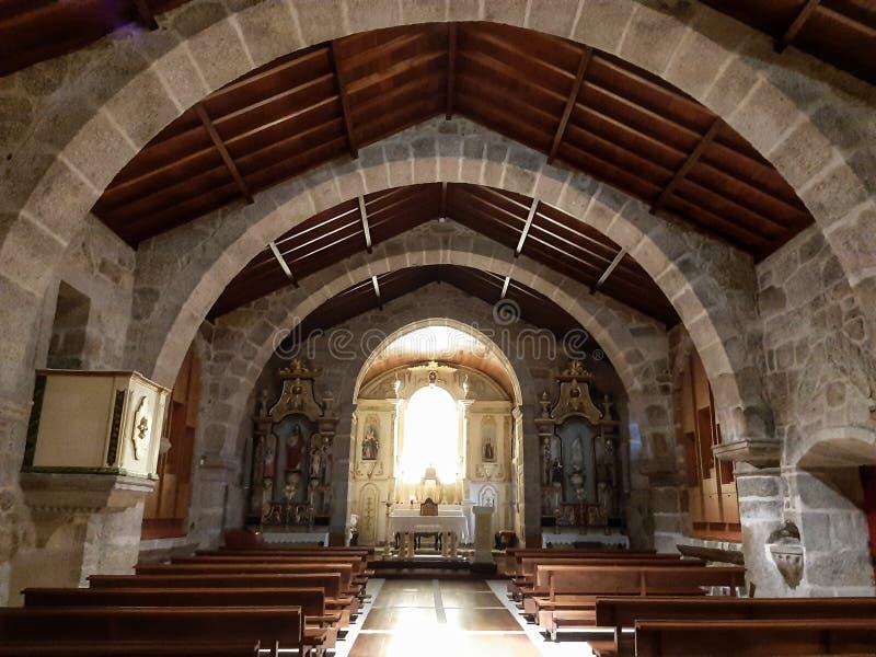 Architecture Romanic d'autel d'église images libres de droits