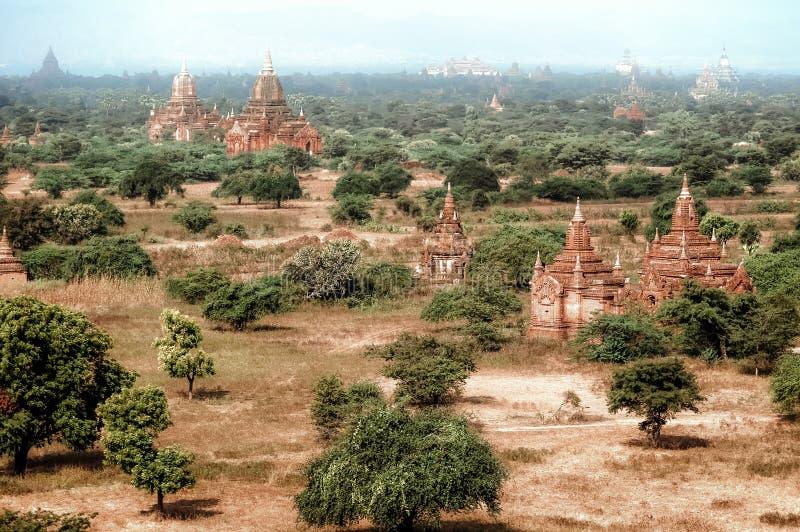Architecture stupéfiante de vieux temples bouddhistes chez Bagan Kingdom, Myanmar Birmanie photographie stock