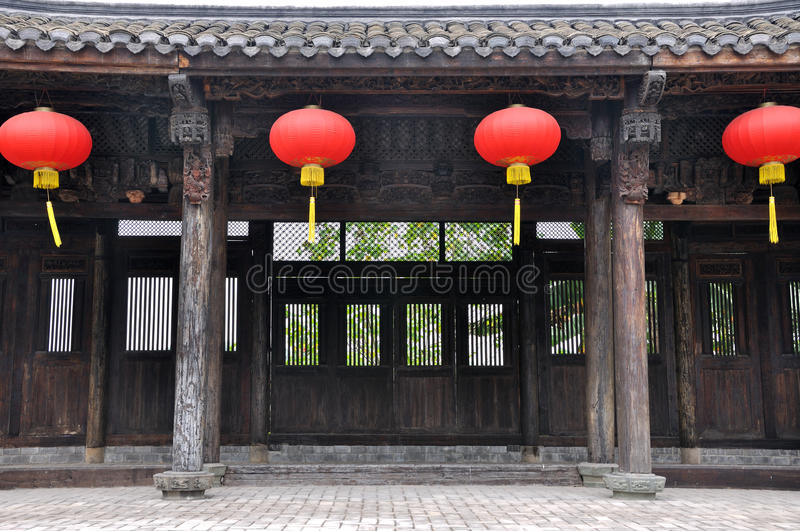 Architecture traditionnelle chinoise et lanterne rouge for Architecture chinoise