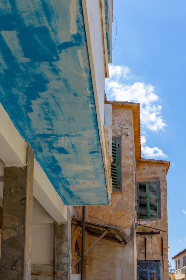 Architecture traditionnelle dans la vieille ville médiévale murée de Fama photo libre de droits
