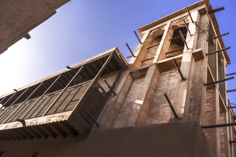 Architecture traditionnelle du village est d'héritage, Deira, Dubaï, janv. 2017 image stock