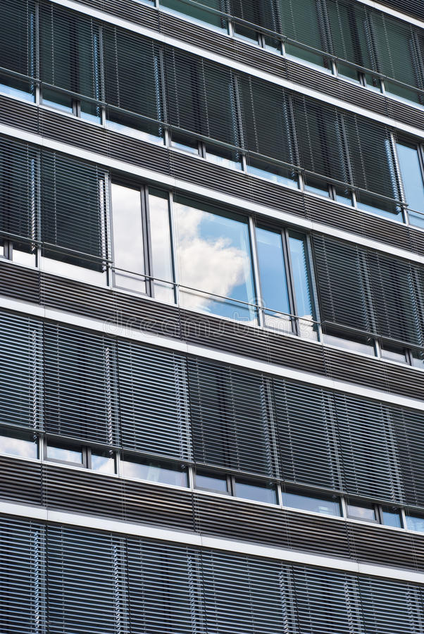 Free Architecture With Sky And Cloud Reflection Royalty Free Stock Photos - 14948878