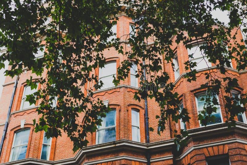 Architectuur in de stadscentrum van Londen in Mayfair stock foto's