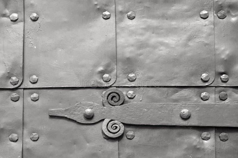 Architectuur gedetailleerde achtergrond - oude houten deur van bruine kleur stock afbeelding