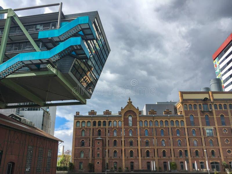Architectuur in Medienhafen Dusseldorf, Duitsland royalty-vrije stock foto's