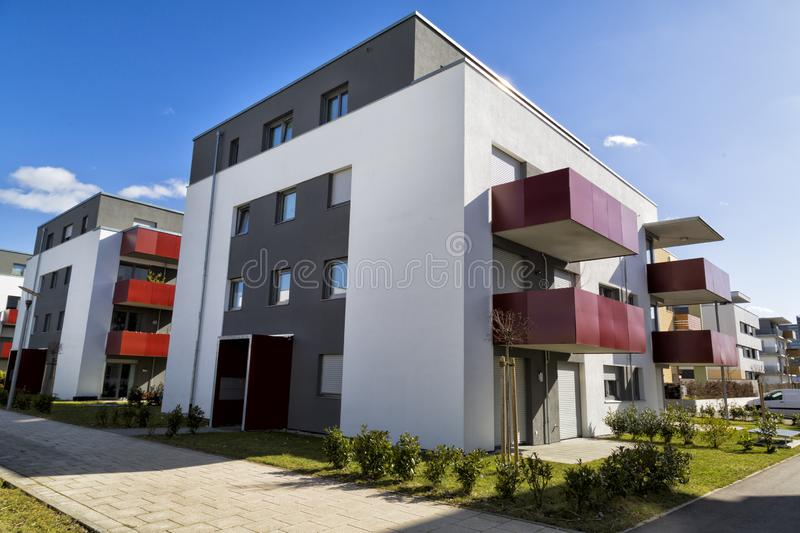 Architectuur moderne flats in Duitsland stock afbeelding