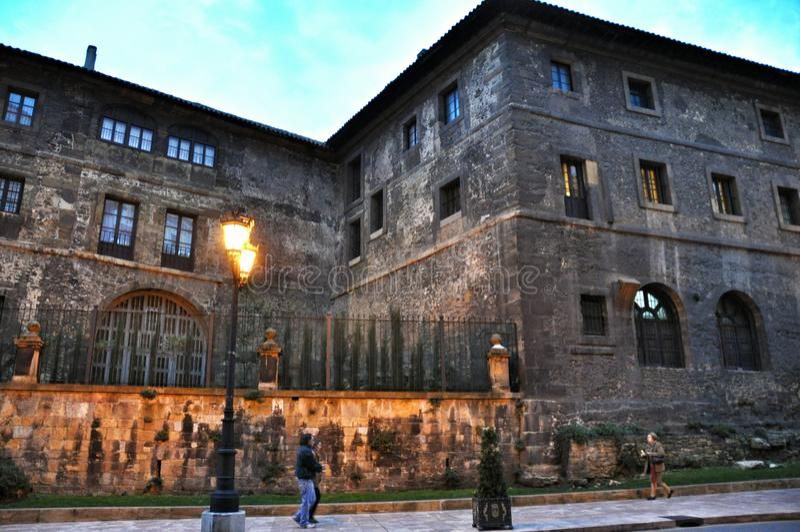Architectuur Oviedo stock afbeeldingen