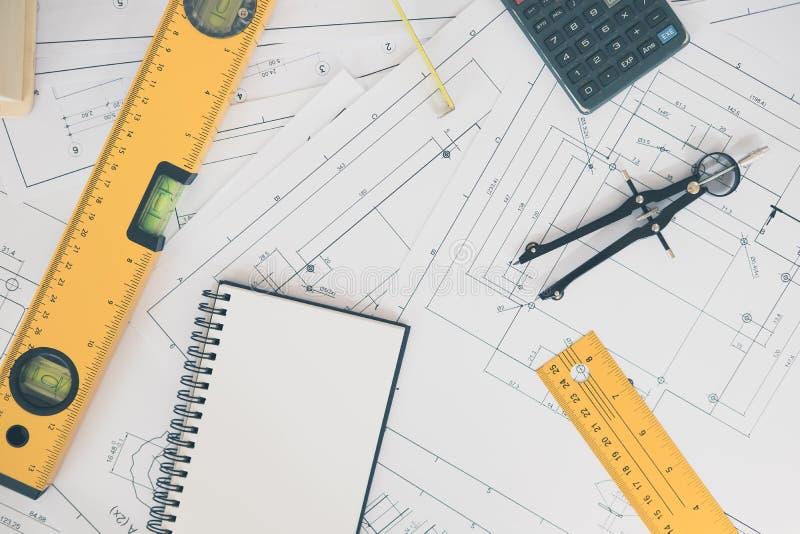 Architectuur, techniekplannen en tekeningsmateriaal stock afbeelding