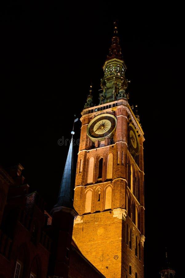 Architectuur van de nachtjapon oude stad in Gdansk stock fotografie
