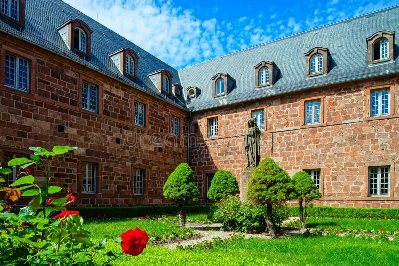 Architectuur van Mont Sainte-Odile-abdij in de Elzas, Frankrijk stock afbeelding