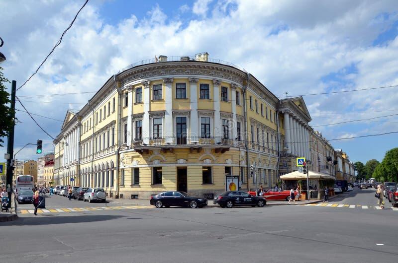 Architectuur van St. Petersburg stock foto's